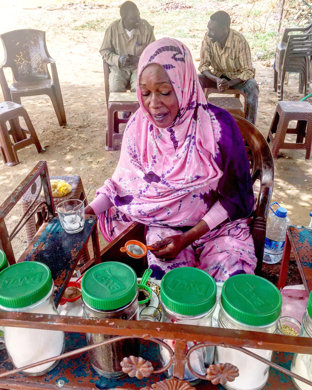 Pink Barista à Khartoum @jmquemener