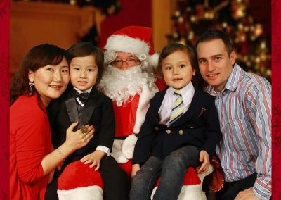 EmPoWER Family Photos with Santa