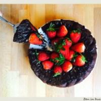 Tort de ciocolata cu capsuni