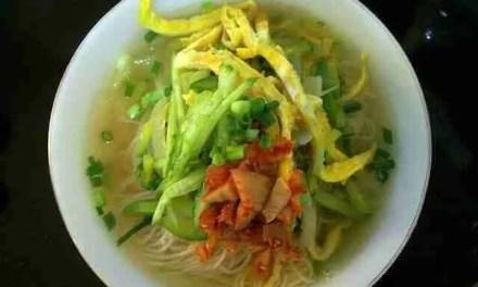 Eun Jeong's Noodle Soup (Janchi Guksu)