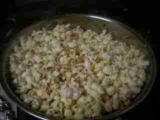 Korean Kitchen Hacking: Honest to Goodness Popcorn with No MIcrowave