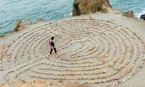 Woman Rocks maze