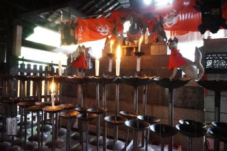 Kumatakasha, one of the bigger shrines on Mt Inari