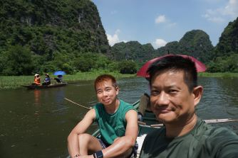 Taking a wefie on Ngo Dong River