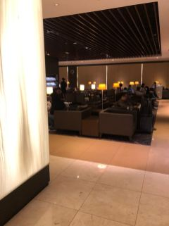 Food and dinning section in SilverKris Lounge