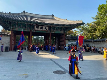 Witnessing the change of guard ceremony outside Deoksugung Palace