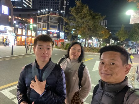 Taking a wefie at Hongdae