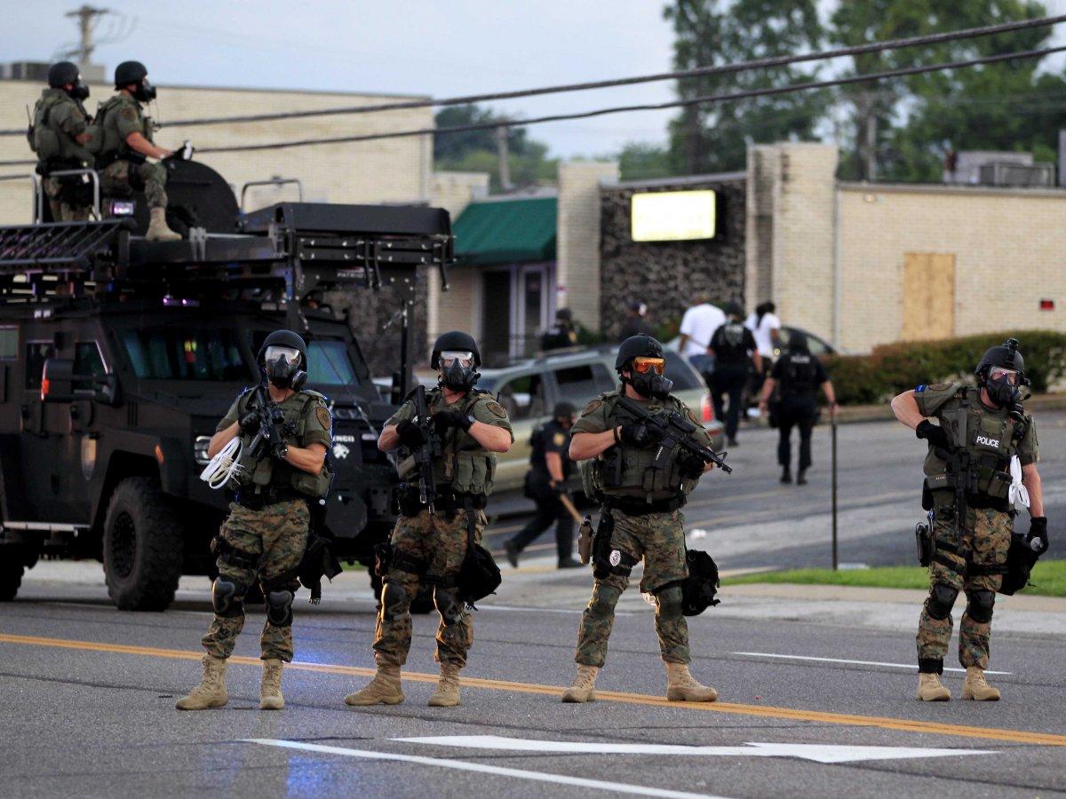 Surarmement policier ou le risque de la force d'occupation