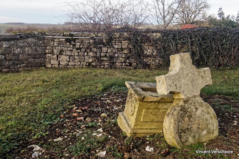 Le cimetière de Bure.