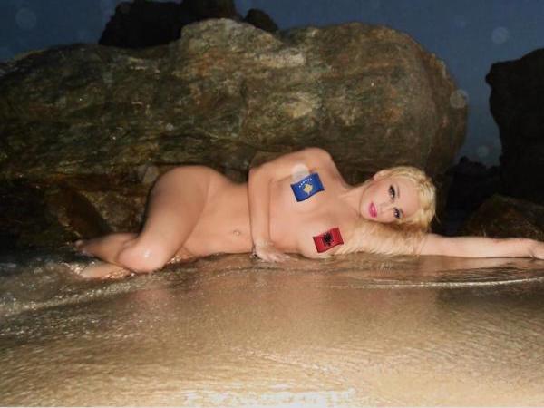 Transgjinorja Linda Rei nuk nguron të postojë foto nudo