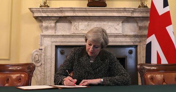 Koordinatori i Brexit: May, një oportuniste politike