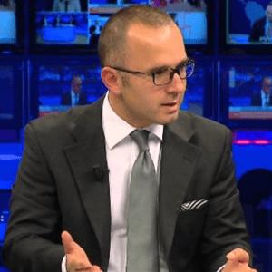 Kërkesa për shkarkimin e Bashës, gazetari Xhafo-Berishës: Doktor ndaje me kë je!