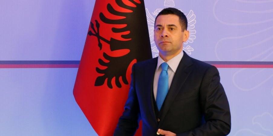 Ja si e jep dorëheqjen ministri Ahmetaj