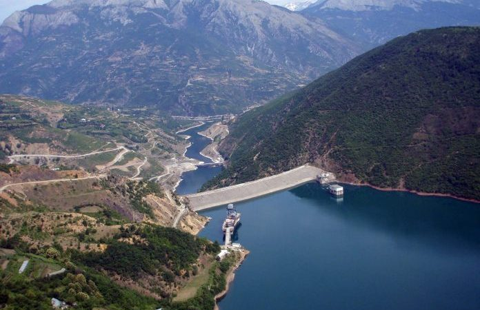Hidrocentralet e Farudin Hoxhës, sekreti i madh i komunizmit