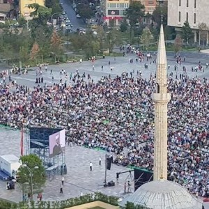MËKATI HISTORIK/ KOMUNITETI MUSLIMAN SHQIPTAR FSHEH SKËNDERBEUN!