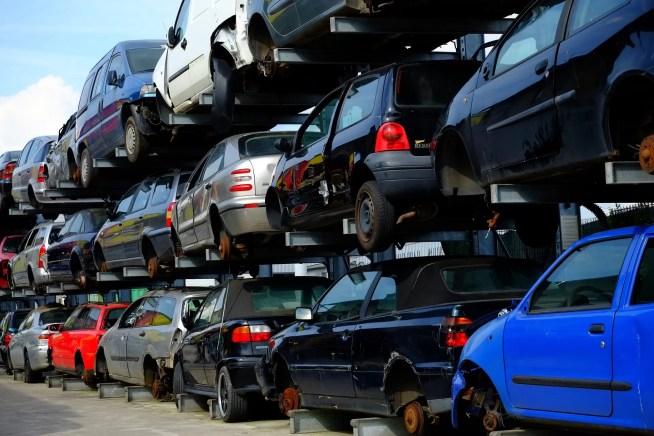 50 mil veículos em fim de vida com destino desconhecido em 2016