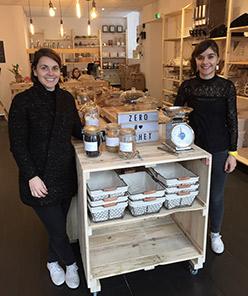 Béatrice et Emilie dans leur boutique vrac