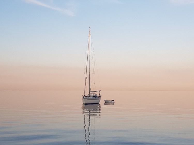 sailing is a great way to reduce waste while traveling