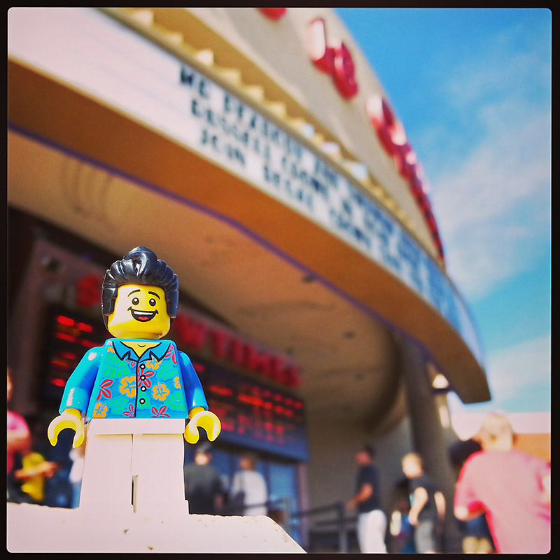 bill-dollar-is-surprised-to-find-the-lego-movie-sold-out-on-a-monday-afternoon