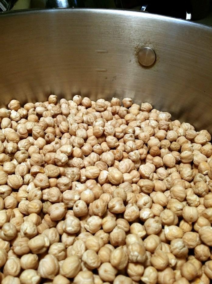 chickpeas in pot