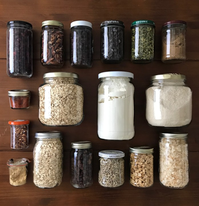 zero waste and plastic free shopping with jars