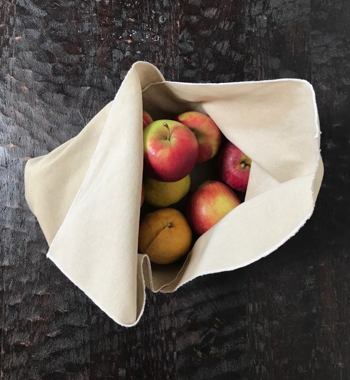 bento bag filled with apples