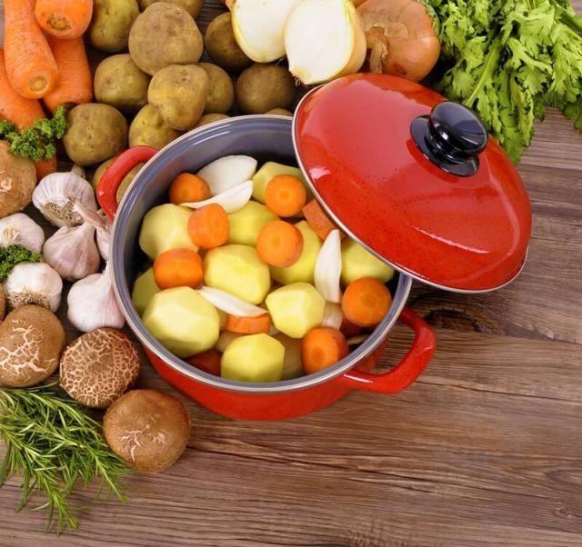 Crock Pot versus Dutch Oven