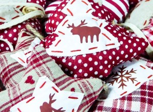13 DIY Christmas Decorations Out of Old Clothes