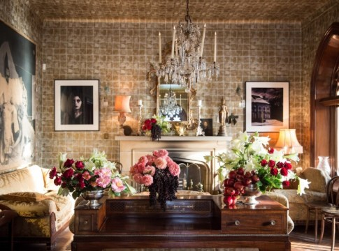 What You're Telling Your Guests Through Your Decorating
