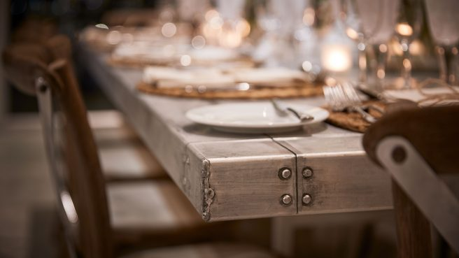 3.21 Metal-Bridal-Table-Detail-1