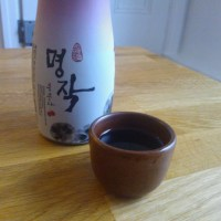Korean Drinks: Black raspberry wine, bokbunjaju