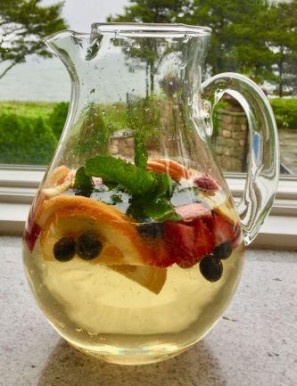 White Fruity Sangria