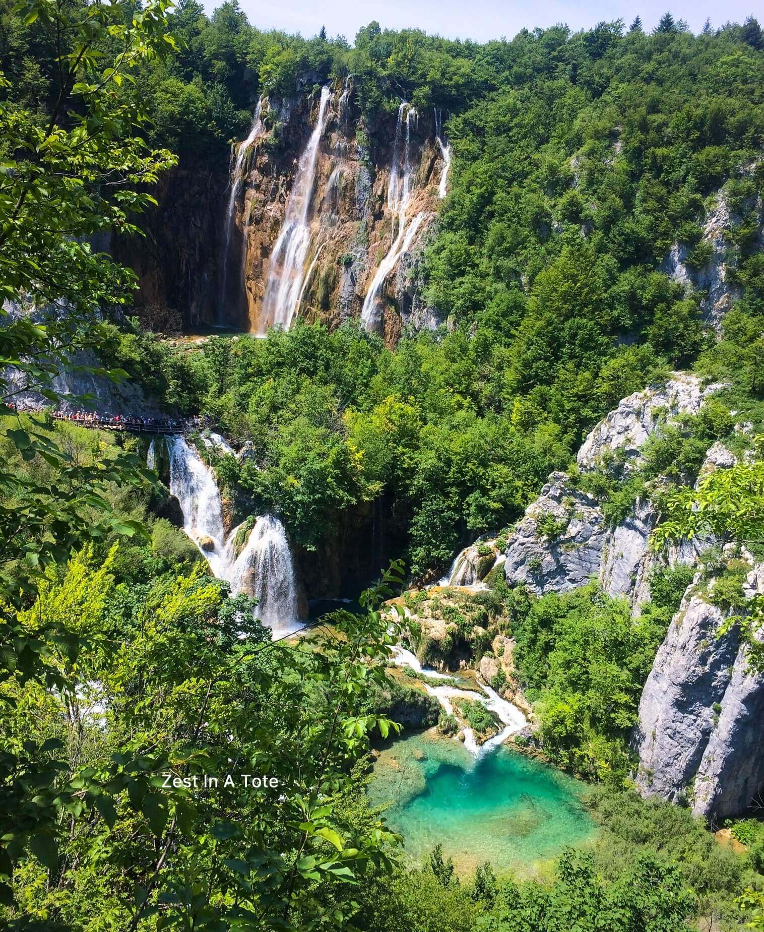 The lower lakes area within Plitvice park