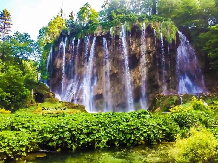 plitvice lakes, plitvice lakes national park, plitvice lakes entrance fee, plitvice croatia, where to stay near plitvice lakes, plitvice lakes walking routes