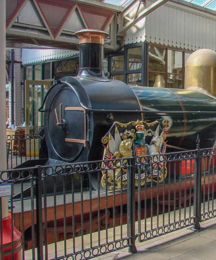 Replica of Queen Victoria's locomotive The Queen at the railway station