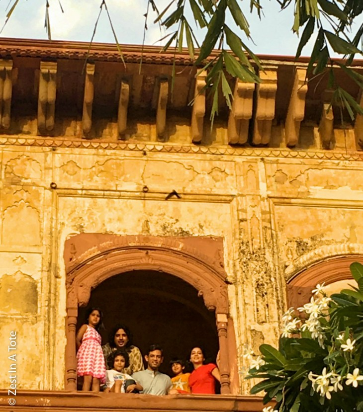 Tijara-Hawa-Mahal-family-photo