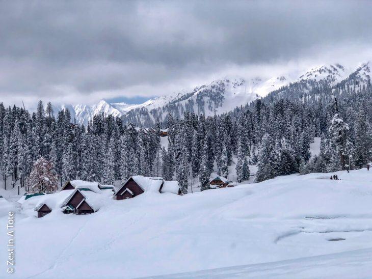 gulmarg-scenary-after-snowfall