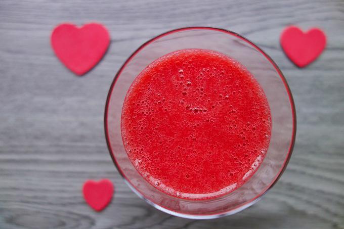 Berries Kombucha Smoothie (Dairy-Free, AIP) - Zesty Paleo