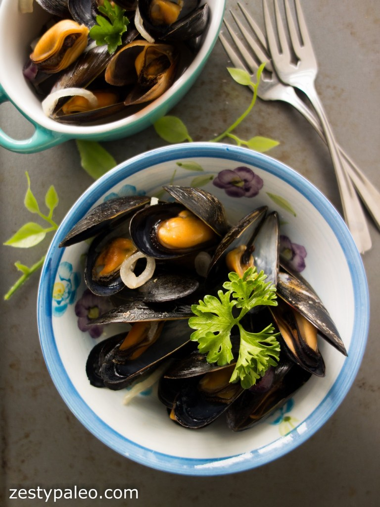Steamed Mussels with Apple Cider (Nightshade-Free, AIP) - Zesty Paleo