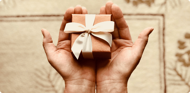 A HOLIDAY CONUNDRUM FOR MARKETERS: DIFFERENTIATING GIFTERS FROM CUSTOMERS