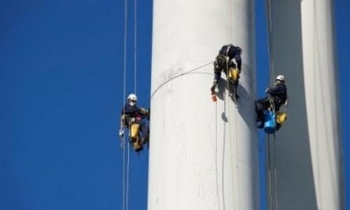 La Asociación de Empresas de Mantenimiento de Energía RenovableEl mantenimiento de las instalaciones del sector de las energías renovables ocupa en nuestro país a 25.000 personas