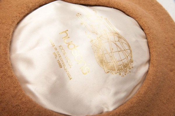 Vtg Hudson's Beige Beret Hat 100% Wool Made In Czechoslaovakia Preowned 6 1/2""