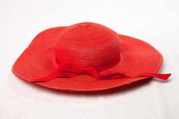 Vintage Women's Henri Bendel Red Rafita Straw Hat Neck Strap Bow New York