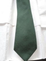 Vintage Men's Hunter Green Tie SAKS FIFTH AVENUE 100% Wool NWOT