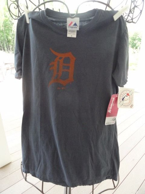 Detroit Tigers Women's Majestic Genuine Merchandise Short Sleeve Shirt NWT M MLB