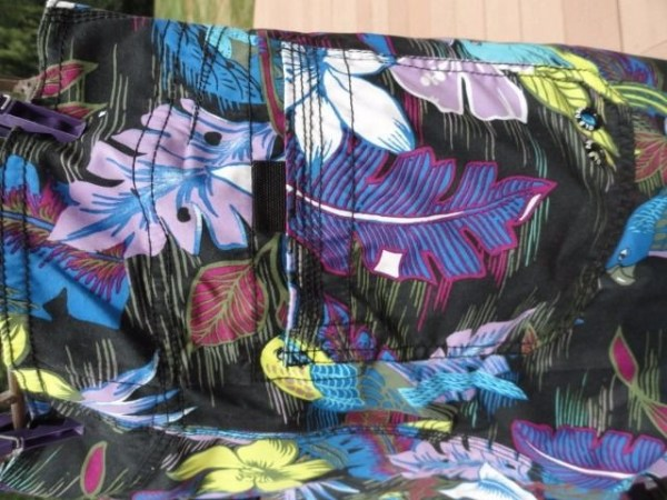 Men's Old Navy Floral Purples Hawaiian Pattern Swimwear NWOT Size Medium
