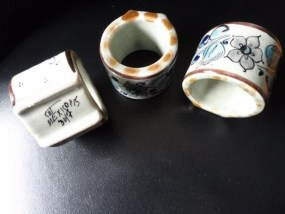 Vtg CAT MEXCICO #15 347 Ceramic 3 Napkin Rings Handpanted Floral Pattern Ex Con