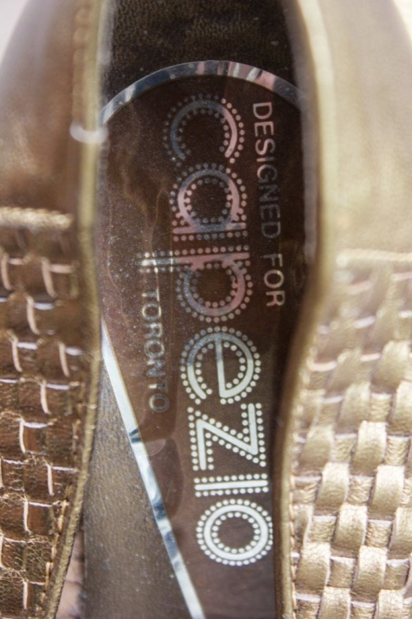Vtg Women's Shoes Leather Designed By Capezio TORONTO Bronze Tone Pumps Italy 6