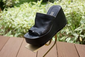 Women's STEVE MADDEN Black 3 1/2' Platform Shoes Slip On Great Condition Size 5