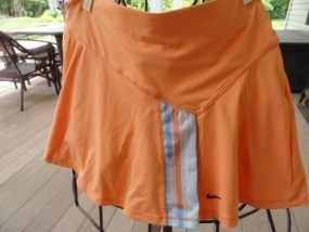 Women NIKE DRI-FIT Tennis Skirt Skort XS Pale Orange With Blue White NWOT